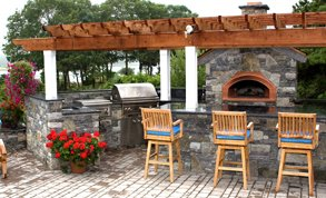 Outdoor kitchen & Fire Pit Designs Gallery
