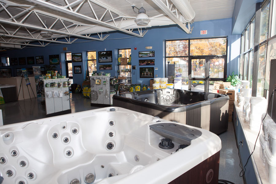 Patios spas showroom boston ferrari pools for Pool showrooms