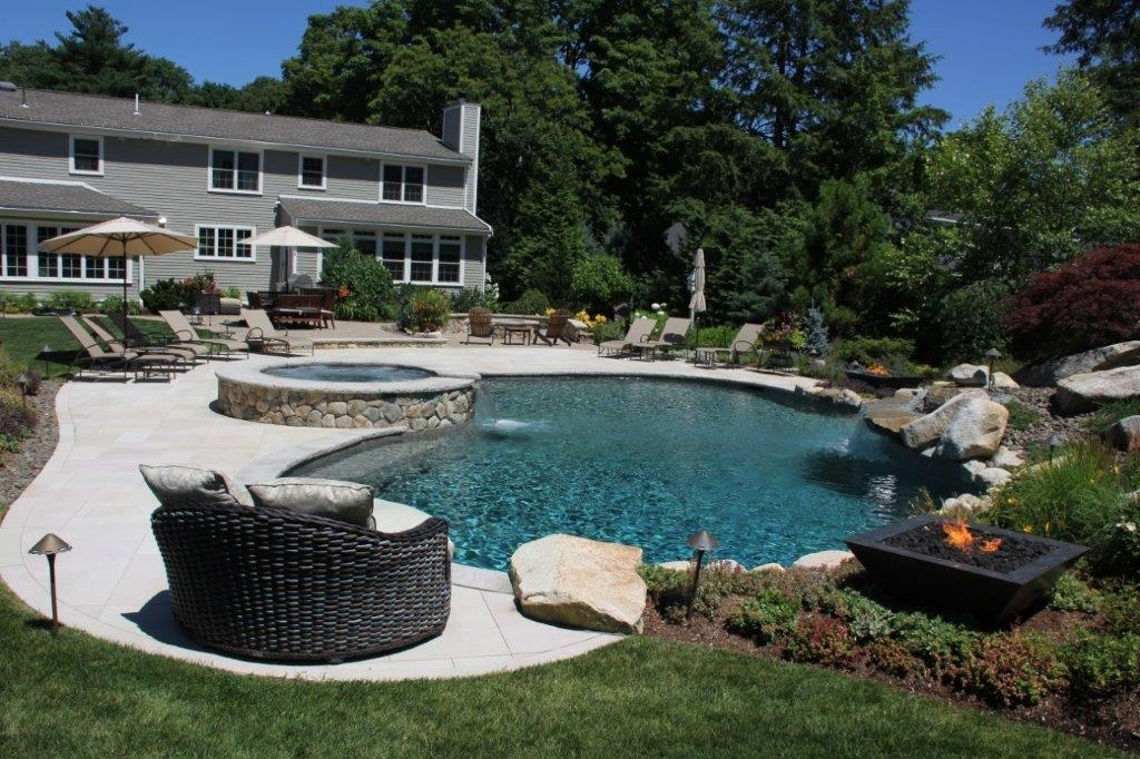 Custom Swimming Pools Builders in Boston