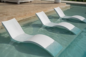 Custom seating for swimming pools